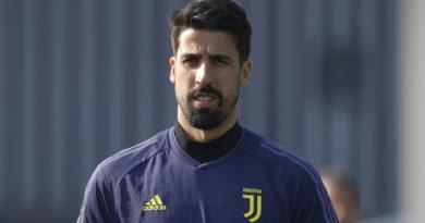 Juventus, Intervento riuscito per Khedira: i tempi di recupero